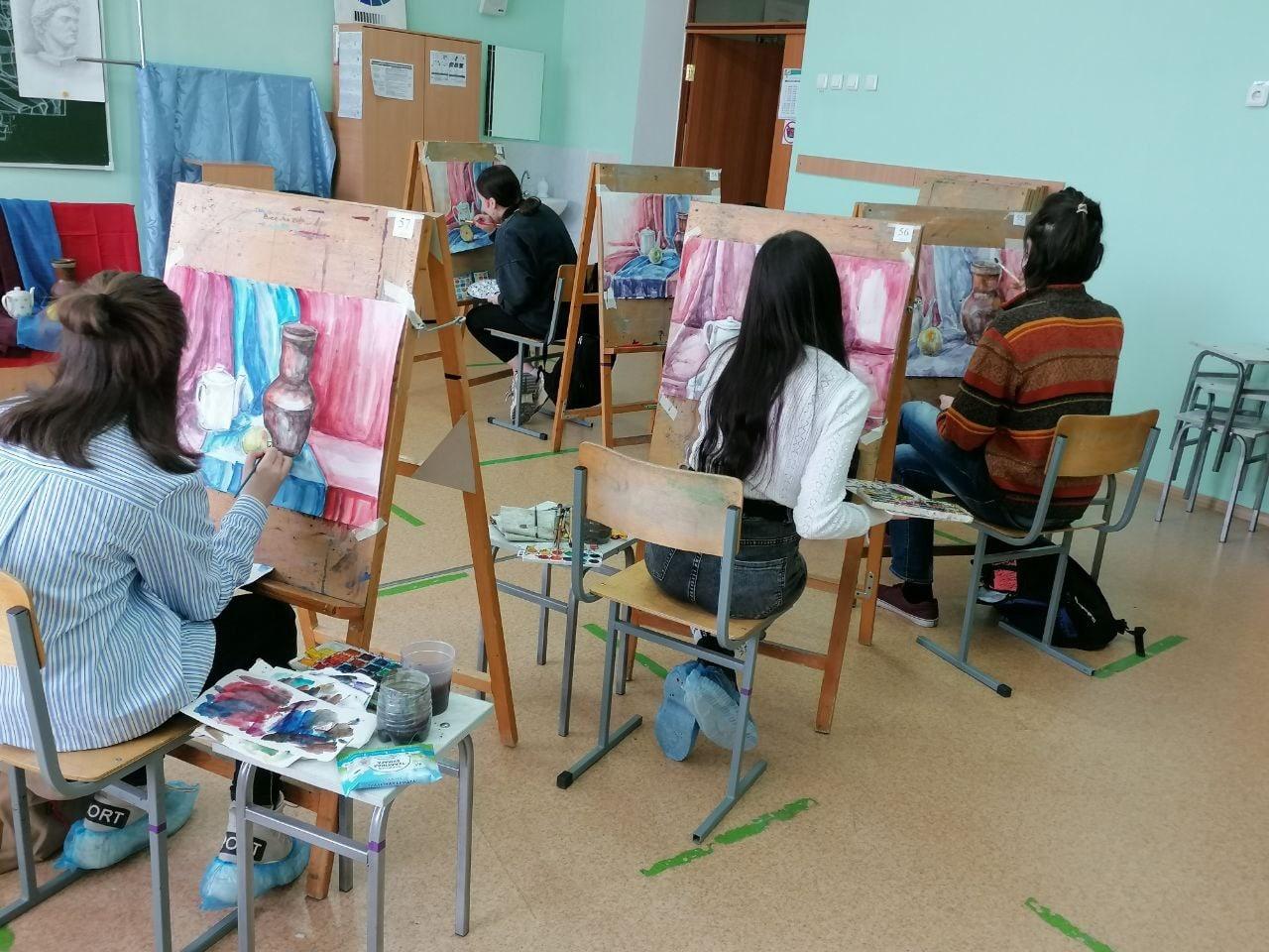 В Республиканской художественной гимназии-интернат им. К.А. Давлеткильдеева прошел региональный этап олимпиады школьников по изобразительному искусству и черчению